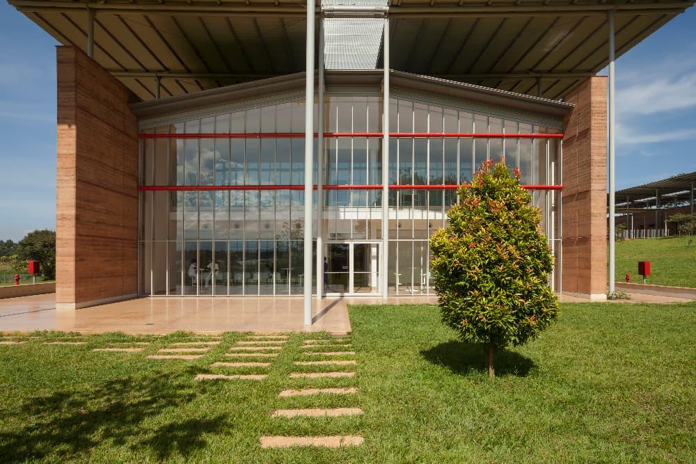 Children's Surgical Hospital, Ospedale Emergency ad Entebbe