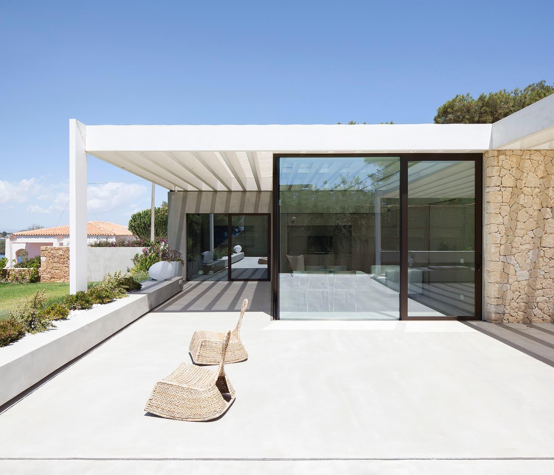 Villa Plemmirio, infissi in alluminio Schüco